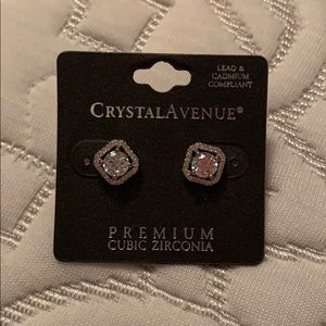 Crystal Avenue errings